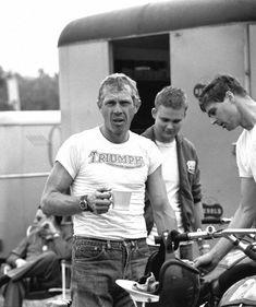 Steve McQueen at the 500 mile dirt bike race across the Mojave Desert in May 1963