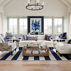Hamptons Elegance in Navy (via Bloglovin.com )