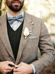 Wedding Winter Outfit Groom Attire New Ideas wedding groom attire Wedding Winter Outfit Groom Attire New Ideas Rustic Wedding Groomsmen, Rustic Wedding Colors, Groom And Groomsmen, Vintage Groomsmen, Winter Wedding Attire, Wedding Suits, Trendy Wedding, Winter Weddings, Wedding Blue