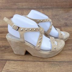 SIZE UK 7 D CLARKS SMOKE SCREEN CREAM SUEDE PLATFORM WEDGES W STUD DETAIL UPPERS