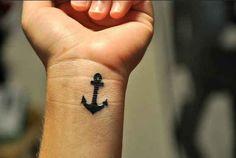 Un ancla: | 65 ideas totalmente inspiradoras para tatuajes de muñeca