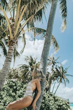 Get more bikinis at ellady. Palm Tree Pictures, Beach Pictures, Photography Beach, Beach Poses, Beach Babe, Summer Of Love, Summer Vibes, Palm Trees, Travel Inspiration