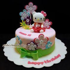 Hello kitty design fondant cake #paulineshomemademalacca Bolo Da Hello Kitty, Hello Kitty Fondant, Hello Kitty Birthday Cake, Gorgeous Cakes, Amazing Cakes, Hello Kitty Themes, 3rd Birthday Cakes, Easy Cake Decorating, Cupcakes