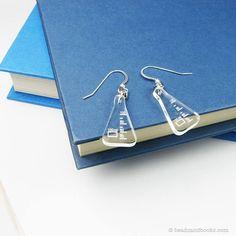 Beaker Earrings - Science Nerd Jewelry With Scientific Flasks - Geekery Gift - Biology, Chemistry Gi Nerd Jewelry, Jewelry Accessories, Jewelry Necklaces, Jewellery, Jewelry Crafts, Piercings, Chemistry Gifts, Science Gifts, Shrink Plastic Jewelry