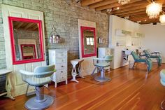 salvage salon... I love this.. TO STINKIN CUTE