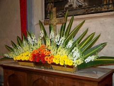 Resultado de imagen para easter sunday church flower arrangements