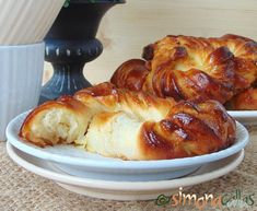 Soft Croissant Style Sweet Bagels – a Romanian Traditional Recipe - simonacallas Pastry Recipes, Cooking Recipes, Bagel Ingredients, The Bagel Store, Croissant Dough, Pastry Shop, Bread Rolls, Dry Yeast, Tray Bakes
