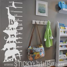 This Big 5 (and Friends) Kids Growth Chart Wall Sticker is perfect for children's room decor. To be positioned 30cm from the floor, your child can grow to 1.6m! Comprising of Africa's Big 5 (lion, leopard, elephant, buffalo & rhino) together with some of their African friends: baboon, tortoise, stork, giraffe and eagle. And: Get 4 life size lion spoor in same colour choice for free!