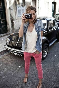 colorful skinnies, tee and denim shirt. via Jenny.gr