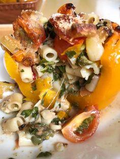 πιπεριές γεμιστές με ζυμαρικά Risotto, Pasta, Ethnic Recipes, Food, Essen, Noodles, Yemek, Ranch Pasta, Meals