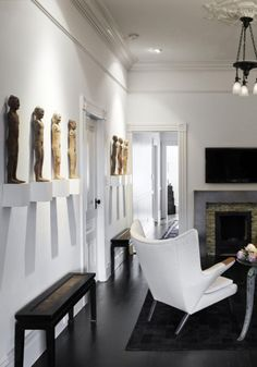 I love the display of carvings on the wall.(bh)