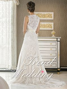 Sleeveless Wide Straps V Neck A-Line Organza Lace Wedding Gown $301.00