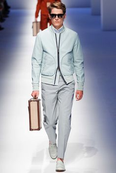 Canali Spring 2016 Menswear Fashion Show