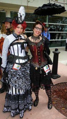 I'm pinning this as reference for the shoes Gail Carriger is wearing.  Although, you know, both outfits are awesome.