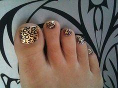 Gold Leaf & Leopard Print Nail Art toes
