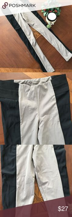 "🌹🌹Blue Life Fit Garter Fitness Leggings size M Blue Life Fit Garter Leggings size M Taupe Black Polyamide Spandex. 85% Polyamide 15% Spandex.   COLOR: Taupe & Black   SIZE: M   CONDITION: Excellent condition with no signs of wear, holes, rips. From Smoke free home.  LAYING FLAT: Length- 34.5""  Waist(around)- 26""  Inseam- 26""  Rise- 9""    Thigh(across)- 8.5""  Leg Opening(across)- 4.5""  HWA A7 Blue Life Pants Leggings"