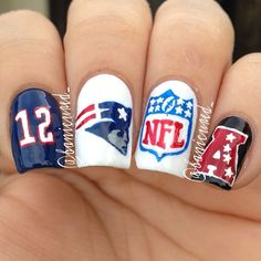 haha patriots won tonight!!  *fingers crossed* superbowl..??? they're my last horse in the race! :P