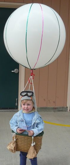 Hot Air Balloon - 60 Fun and Easy DIY Halloween Costumes Your Kids Will Love Leichtman Knapp Halloween Mignon, Fröhliches Halloween, Diy Halloween Costumes For Kids, Cute Costumes, Holidays Halloween, Costume Ideas, Carnival Costumes, Costumes Kids, Zombie Costumes
