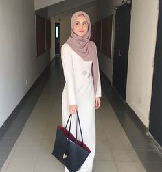 Hijab Dress To Inspire You Modest Fashion Hijab, Hijab Casual, Hijab Chic, Muslim Fashion, Fashion Dresses, Hijab Gown, Hijab Outfit, Modest Wear, Modest Outfits