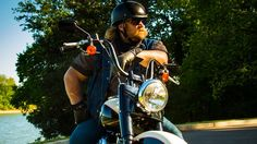 American Ride wows me in what and how he learns his history.  I find the show pulling me to it often and I have to watch it on line as I do not have cable etc.