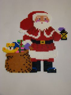 Christmas Santa Claus hama beads by 3 KIDS AND A GLUESTICK