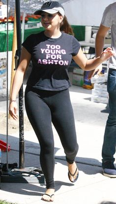 Pinned onto Celebrities In Yoga Pants Board in Celebrities Category Hollywood Celebrities, Hollywood Actresses, Indian Actresses, Ariel Winter Hot, Sports Leggings, Yoga Pants, Celebrity Style, Curvy, Celebs