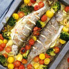Fish Recipes, Cobb Salad, Seafood, Food Porn, Meat, Chicken, Sea Food, Cubs, Treats