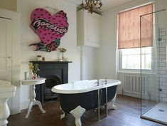 Model Daisy Lowe has combined her love of fashion with her rock star roots and mixed an ultra-feminine pink Roller blind with a kitsch tattoo neon sign Pink Roller Blinds, Daisy Lowe, Kitsch, Vivid Colors, Color Combinations, Roots, Spirit, Feminine, Neon