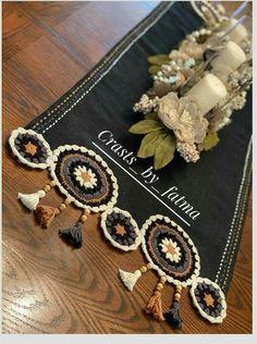 Crochet Table Runner Pattern, Crochet Mandala Pattern, Vintage Crochet Patterns, Crochet Tablecloth, Hand Embroidery Patterns, Crochet Designs, Crochet Mat, Crochet Cross, Crochet Furniture