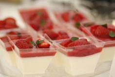 Strawberry panna cotta Strawberry Panna Cotta, Yummy Cakes, Cake Pops, Baking, Ethnic Recipes, Food, Cake Pop, Bread Making, Patisserie