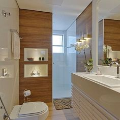 Woody porcenalate adding a touch of warmth to the bathroom. Eclectic Bathroom, Bathroom Interior Design, Dream Bathrooms, Small Bathroom, Mini Bad, Bathroom Furniture, Bathroom Inspiration, New Homes, House Design