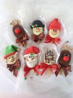 Christmas Cake Pops, Christmas Sweets, Christmas 2019, Ice Cream Pops, Ice Pops, Magnum Paleta, Marshmallow Treats, Little Cakes, Food Goals