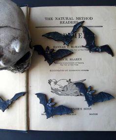 Black Bat Brooch Set  Halloween Vampire Bat  by MySelvagedLife, $14.00