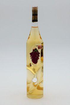 """Weinflasche gedreht mit Qualitätswein """"Furmint"""" und außenliegend mit Weinrebe bestückt Wine, Bottle, Drinks, Vitis Vinifera, Corks, Drinking, Flask, Drink, Jars"""