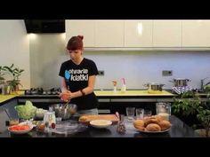 W dzisiejszym odcinku Kinga z Otwartych Klatek pokaże Wam, jak przyrządzić majonez sojowy i burgery warzywne.