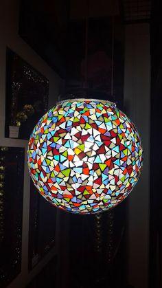Luminaria con vidrio color