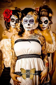 2015 Halloween body paint of sugar skull - s