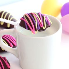 Dunk these pretty chocolate ganache Easter eggs into heated milk to make creamy hot cocoa! Fun Desserts, Delicious Desserts, Dessert Recipes, Yummy Food, Melting Chocolate Chips, Hot Chocolate Recipes, Yummy Treats, Sweet Treats, Tasty Videos