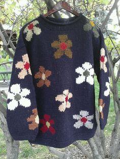 Sisandina Handicrafts 100% Wool Sweater Handmade Ecuador Navy Flowers Plus 1X #Sisandina #Pullover