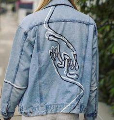 Custom hand painted jean jacket ropa reciclada manualidades r/streetwear - [ART] Custom hand painted unisex denim jacket. Link in comments. Painted Denim Jacket, Painted Jeans, Painted Clothes, Hand Painted, Denim Jacket With Pins, Custom Clothes, Diy Clothes, Denim Art, Diy Jeans
