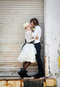 An Edgy & Urban Bridal Shoot city wedding engagement photos #acitywedding #city #wedding