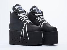 Buffalo X Solestruck 1384-10 Laces platform sneakers in Texas Negro at Solestruck.com