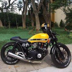 Great work on this Yamaha XJ750 by @zdrcustom #lordofwheel #motorcycle #moto #bike #builtnotbought #retroride #vintage #vintagemotorcycle…