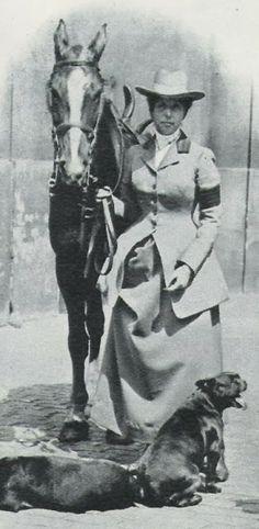 Marie d'Orleans, Princess of Denmark Vintage Photographs, Vintage Photos, Horse Mane Braids, Photos With Dog, Danish Royalty, American Saddlebred, Vintage Horse, Man Photo, Side Saddle