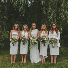 Doing it right in mixed modern whites - gorgeous capture by @guijorgephotography and love those protea booqs by @jademcintoshflowers! #sydneyweddingphotographer #noubavendor #noubadirectory