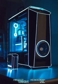 Megadeblow via project tron placing side by side his mini mod which runs on raspberry pie and its big brother built on a mastercase maker 5 casemod diy diy computer desk ideas Gaming Computer Setup, Gaming Pc Build, Computer Build, Gaming Pcs, Gaming Room Setup, Pc Setup, Pc Gamer, Custom Computer Case, Custom Computers