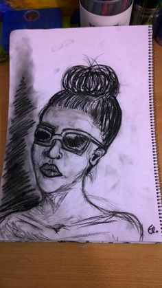 Girl with sunglasses 😎 /quick drawing 13min /black n white /my work /made by El.