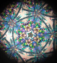 Kaleidoscope fractures
