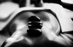Masaje con piedras calientes de Jade