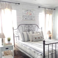 "|Fallon| on Instagram: ""Bedding is such a fun way to spice up a room! When I had my vision for my guest room makeover, I knew that I wanted @beddys This bed frame…"""